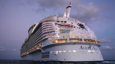L'Allure of the Seas est une ville flottante qui peut transporter jusqu'à 6.000 passagers. Pour s'occuper de tout le monde, l'équipage se compose de plus de 2.000 personnes.