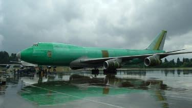 Un Boeing 747 avant sa peinte, l'un des deux modèles qui ont fait monter la charge nette de l'avionneur.