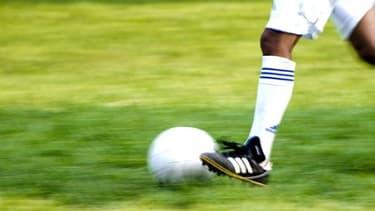 Les clubs de football français réclament un assouplissement des modalités de la taxe à 75%.