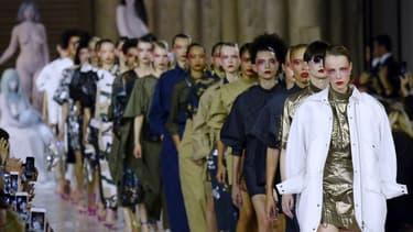À elle seule, la fashion week de Paris rapporte plus de 10 milliards d'euros.