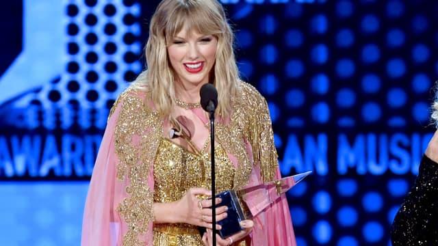 Taylor Swift sur la scène des AMAs 2019
