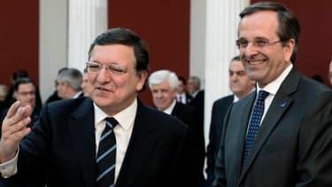 Le président de la Commission européenne, José Manuel Barroso (à gauche) et  le Premier ministre grec, Antonis Samaras (à droite), ce mercredi 8 janvier.