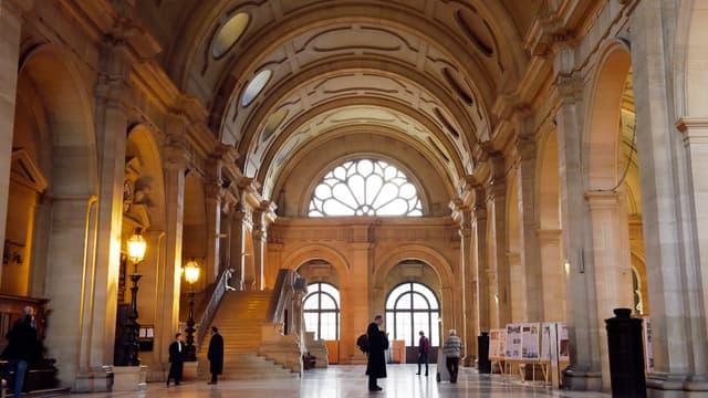 Cette réforme judiciaire vise à moderniser la justice française.