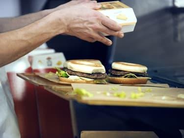 La restauration rapide s'en sort mieux que les établissements traditionnels.