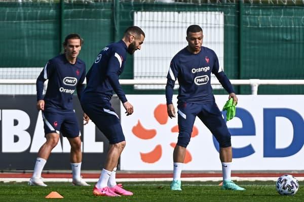 Karim Benzema, Antoine Griezmann et Kylian Mbappé avec l'équipe de France
