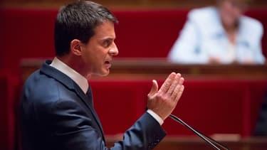 Le Premier ministre Manuel Valls s'exprime à l'Assemblée nationale, jeudi 12 mai 2016.