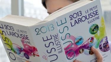 L'édition précédente du Petit Larousse illustrée va bientôt céder sa place.