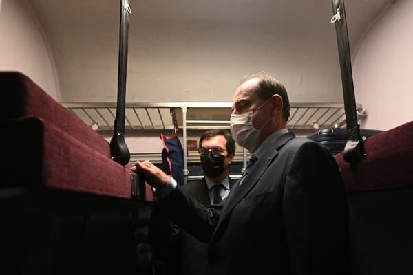 Jean Castex à bord du train de nuit Paris-Nice, le 20 mai 2021.