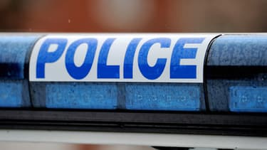 Les voleurs sont repartis avec 10 000 euros après avoir arraché une oreille au commerçant.