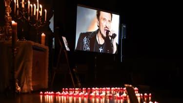 La photo de Johnny Hallyday dans l'église Saint-Roch à Paris, le 7 décembre 2017