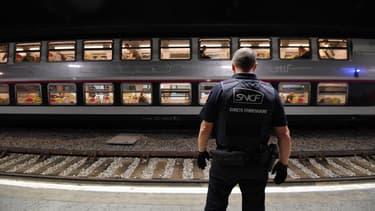 Un corps a été retrouvé sur les voies du RER C (photo d'illustration).
