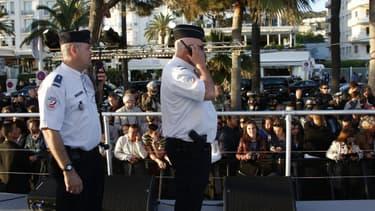 Policiers à Cannes, le 17 mai 2013.