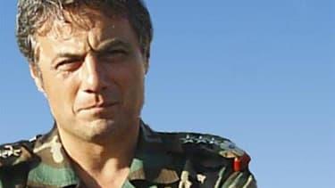 Le général Manaf Tlass, le plus haut gradé syrien ayant fait défection et proche du président syrien Bachar al Assad, est à Paris et dit espérer une phase de transition constructive en Syrie. /Photo d'archives/REUTERS