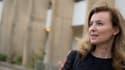 """Valérie Trierweiler estime qu'une clarification """"est nécessaire"""" sur sa relation avec François Hollande, rapporte un journaliste du """"Parisien""""."""