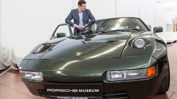 Ce modèle a été développé en 1984 par les ingénieurs de Porsche pour une occasion spéciale: les 75 ans de Ferry Porsche.