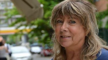 Marie-France, une expatriée française qui s'organise pour aider les autres à résister à la crise.