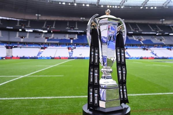 Le trophée du Tournoi des Six Nations, avant le match entre la France et l'Angleterre, le 2 février 2020 au Stade de France à Saint-Denis