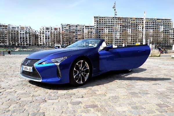 Depuis son lancement en 2017, Lexus a vendu 240 LC, toutes configurations confondues (Coupé, 500h et V8) dont six cabriolets. Il a été officiellement présenté en avril 2020, avec une mise sur le marché en fin d'année.