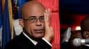 """L'ancien chanteur pop Michel Martelly, alias """"Sweet Micky"""", a prêté serment comme président samedi à Haïti, un pays ravagé par une pauvreté endémique et qui peine à se relever du séisme dévastateur du 12 janvier 2010. /Photo prise le 14 mai 2011/REUTERS/S"""