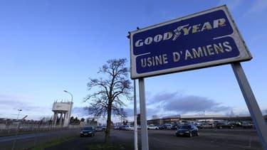 Les députés français ont créé mercredi une commission d'enquête sur le projet de fermeture de l'usine Goodyear d'Amiens-Nord, dans la Somme, qui emploie 1.173 salariés. /Photo prise le 31 janvier 2013/REUTERS/Pascal Rossignol