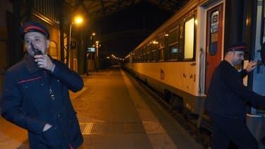 La SNCF exploite encore trois lignes de trains de nuit:  Paris-Briançon (Hautes-Alpes), Paris-Rodez-Latour-de-Carol (Pyrénées-Orientales) ainsi que Paris-Toulouse-Cerbère (Pyrénées-Orientales),