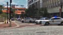 La police continue ce dimanche soir à intervenir pour fouiller les lieux, à la recherche d'un éventuel second tireur.