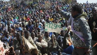 La direction de la mine de Marikana a lancé un ultimatum aux grévistes, qui s'achève ce mardi