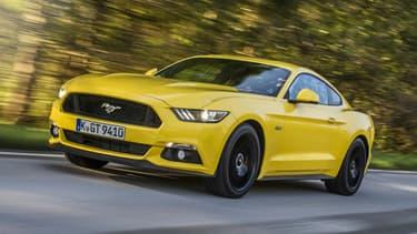 Après le quatre-cylindres, la Mustang passe à l'hybride.