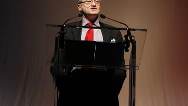Paul-Marie Coûteaux, ex-FN et ex-SIEL, soutient François Fillon.