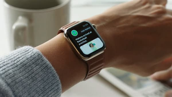 L'Apple Watch permet aussi de vérifier si son enfant, également porteur d'une Apple Watch, est bien arrivé à l'endroit où il devait se rendre.