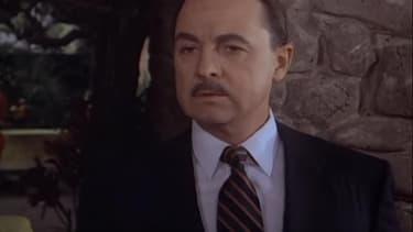 John Hillerman dans le rôle de Higgins, dans la série des années 1980, Magnum.