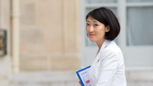 """Fleur Pellerin estime qu'il """"n'y a pas de chiffre magique"""" sur le nombre d'opérateurs mobiles en France."""