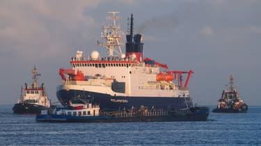 Après un an d'exploration de l'Arctique, les scientifiques regagnent l'Allemagne à bord du Polarstern, en lançant un cri d'alarme sur la fonte de la banquise.