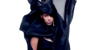 """Beyoncé dans le clip de """"Ghost""""."""