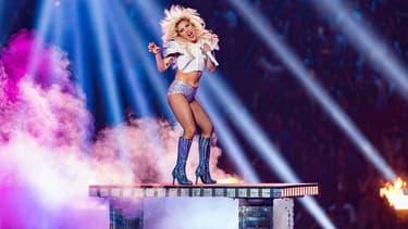 Lady Gaga sur la scène du Super Bowl le 5 février 2017