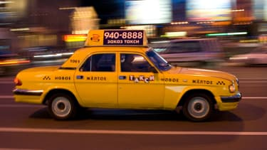 À Moscou, le réseau Uber est réservé aux taxis disposant d'une licence professionnelle. En échange, ils devront transmettre les données aux autorités qui veulent analyser le trafic routier.