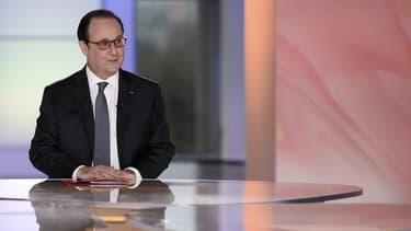 """François Hollande lors de l'émission """"Dialogues citoyens""""."""