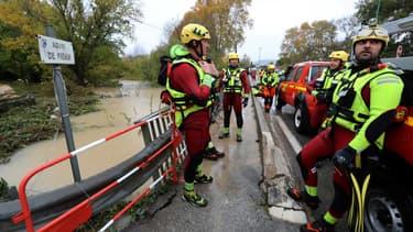 Des membres de la défense civile française avant des opérations de secours en zones inondées, au sud-est de la France, le 24 novembre 2019 (photo d'illustration)
