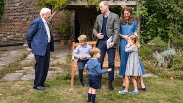 Le prince William, son épouse Kate, leurs enfants George, Charlotte et Louis, et Sir David Attenborough