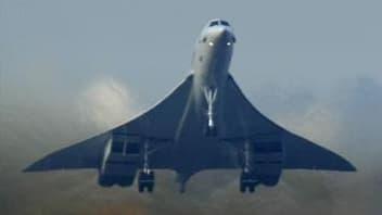 Après plus de dix ans de procédure, la justice française rendra sa décision lundi au procès de la catastrophe du Concorde dans laquelle 113 personnes avaient péri près de Paris. /Photo prise le 23 octobre 2003/REUTERS/Russell Boyce