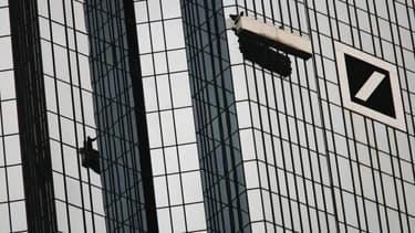 Deutsche Bank ne va pas verser de dividendes pendant 2 ans.