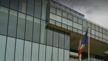 Le TGI de Nanterre évacué ce lundi après-midi, en raison d'une alerte à la bombe.