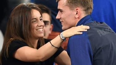 L'attaquant de l'équipe de France Antoine Griezmann et sa femme Erika Choperena, en juillet 2016.