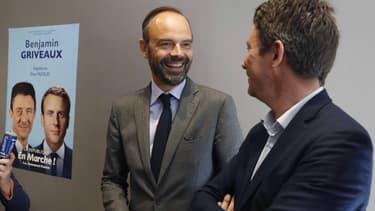 Edouard Philippe lors d'une visite de terrain au côté de Benjamin Griveaux, candidat En Marche! à Paris.