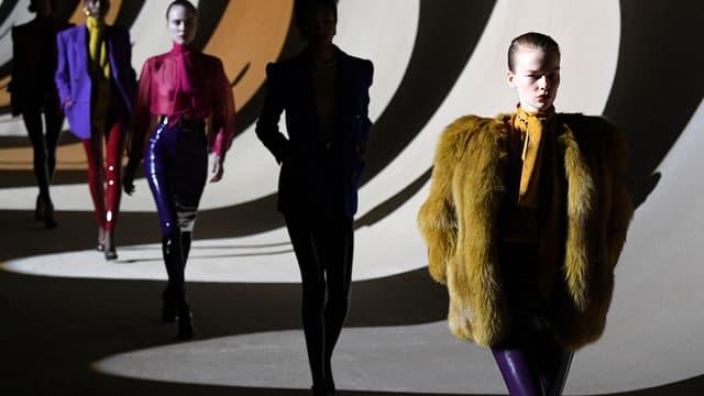 Défilé Saint Laurent à la fashion week automne-hiver 2020-2021 de Paris