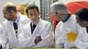 """En visite mardi dans la centrale nucléaire de Gravelines (Nord), la plus importante d'Europe occidentale, Nicolas Sarkozy a réaffirmé sa foi en l'énergie nucléaire, rejetant la peur, selon lui """"irrationnelle"""" et """"moyenâgeuse"""", qui a refait surface à la lu"""