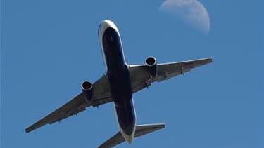Selon Eurocontrol, l'agence européenne de l'aviation civile, Le trafic aérien est redevenu entièrement normal après plus d'une semaine de perturbations provoquées par le nuage de cendres issu du volcan islandais Eyjafjöll. /Photo prise le 22 avril 2010/RE