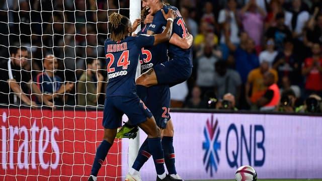 Paris domine son premier match de L1
