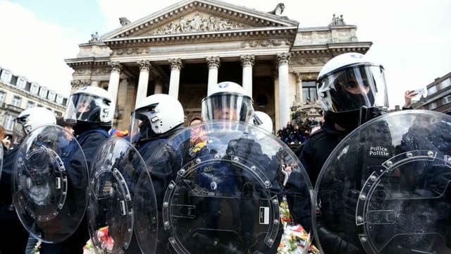 Dimanche, les hommages place de la Bourse à Bruxelles avaient été perturbés par des nationalistes.