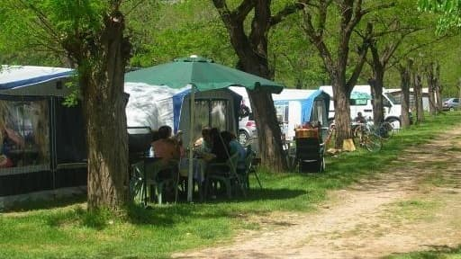 Les prix dans les campings sont aussi élevés qu'une petite location ou qu'un séjour en village vacances.